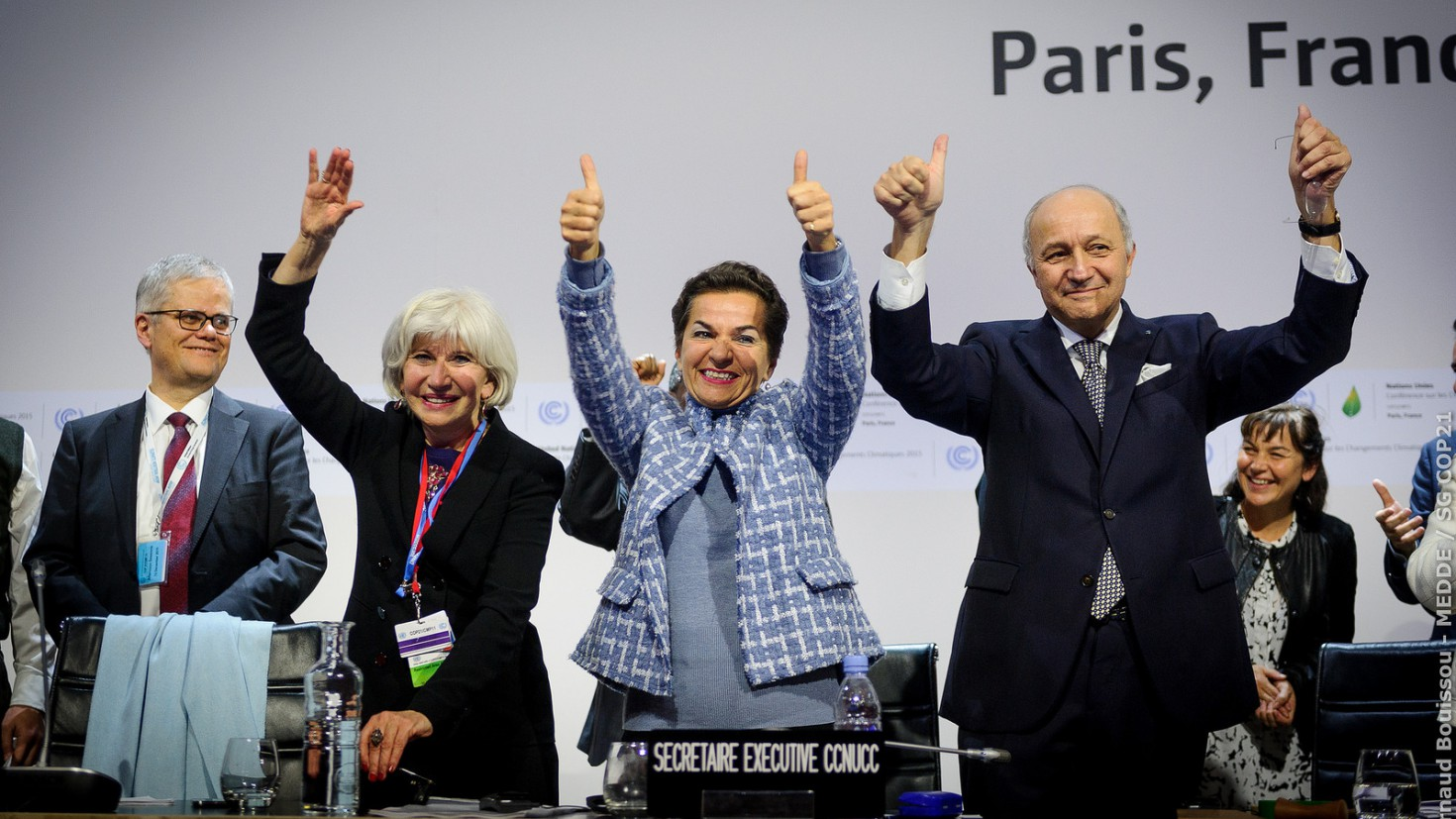 thumbs up for 1,5. celebrations in the plenary at the adoption of the climate deal in paris 2015. foto: cop21 / flickr